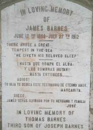Lápida a James y Thomas Barnes